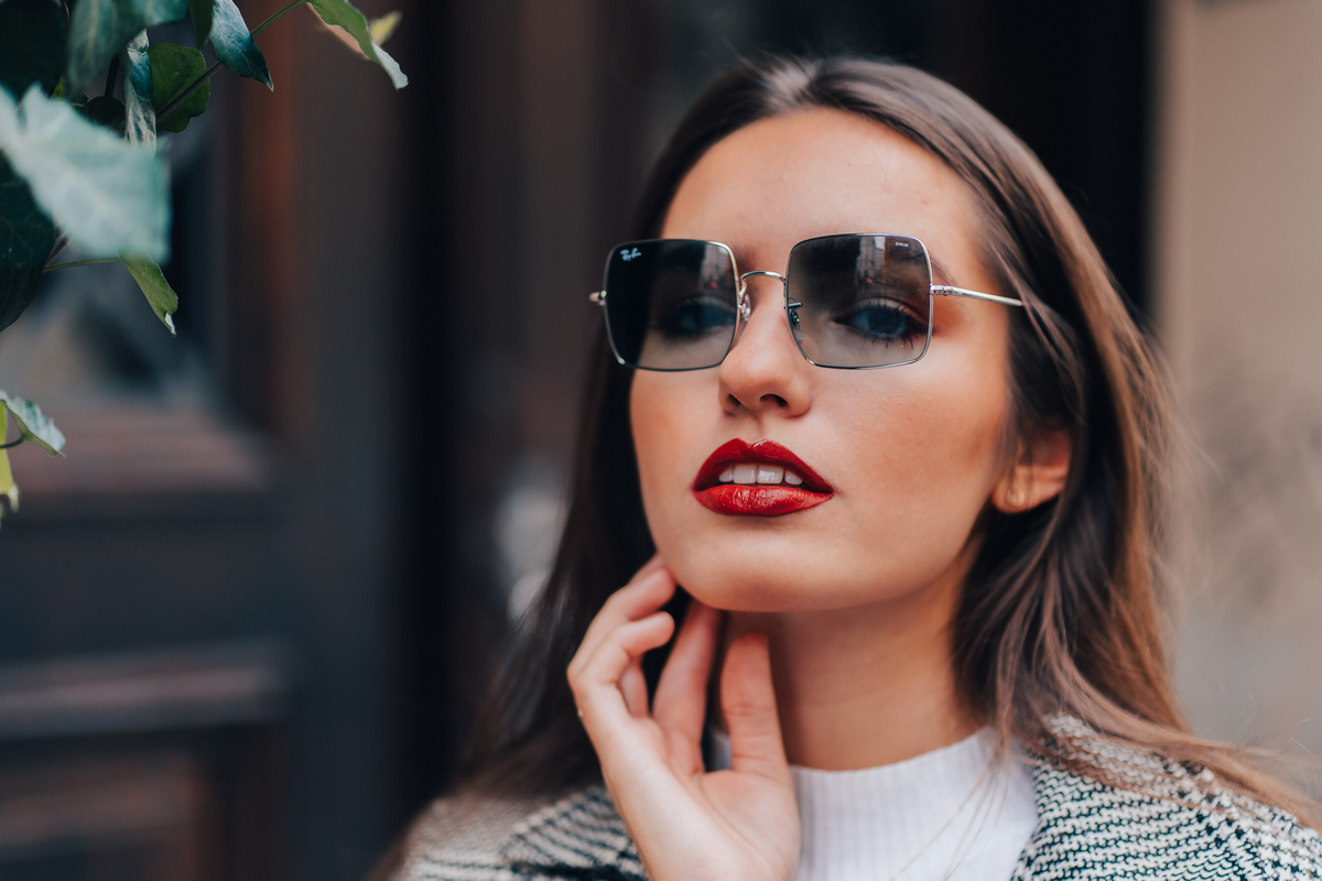 geometrical sunglasses as a trend highlight of 2021