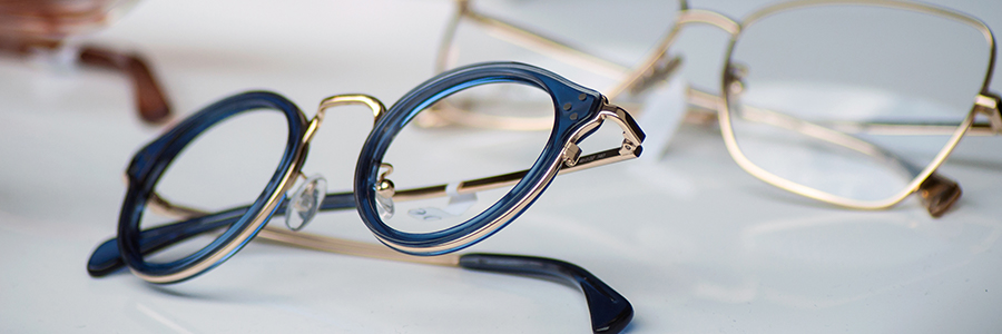 Find the perfect pair of glasses with the right glasses lenses